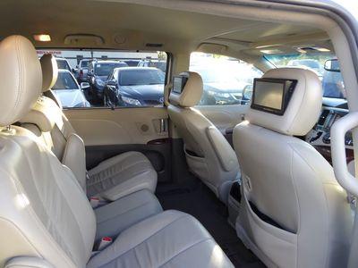 Wonderful ... 2011 Toyota Sienna XLE ...