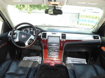 2011 Cadillac Escalade Luxury