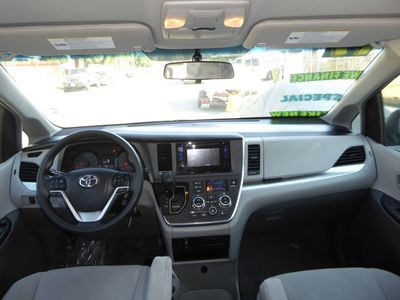 2017 Toyota Sienna L